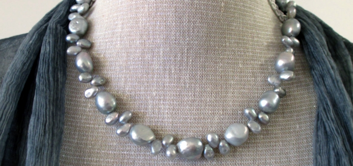 Silver pearls necklace with toggle clasp by Made by Marianne on Etsy (£31.99)
