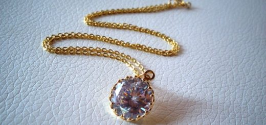 Gold-filled necklace with zirconia charm at Qmuro